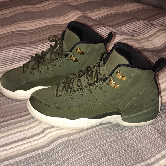 pretty nice 21aae cb654 Olive Green Retro 12s